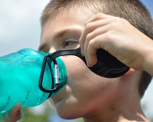 benefici nel bere acqua